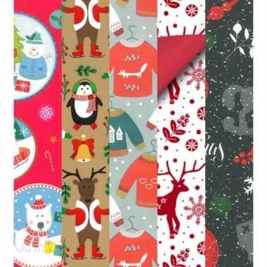 Goedkope 15x rollen kerst inpakpapier/cadeaupapier diverse prints 2,5 x 0,7 meter voor kinderen
